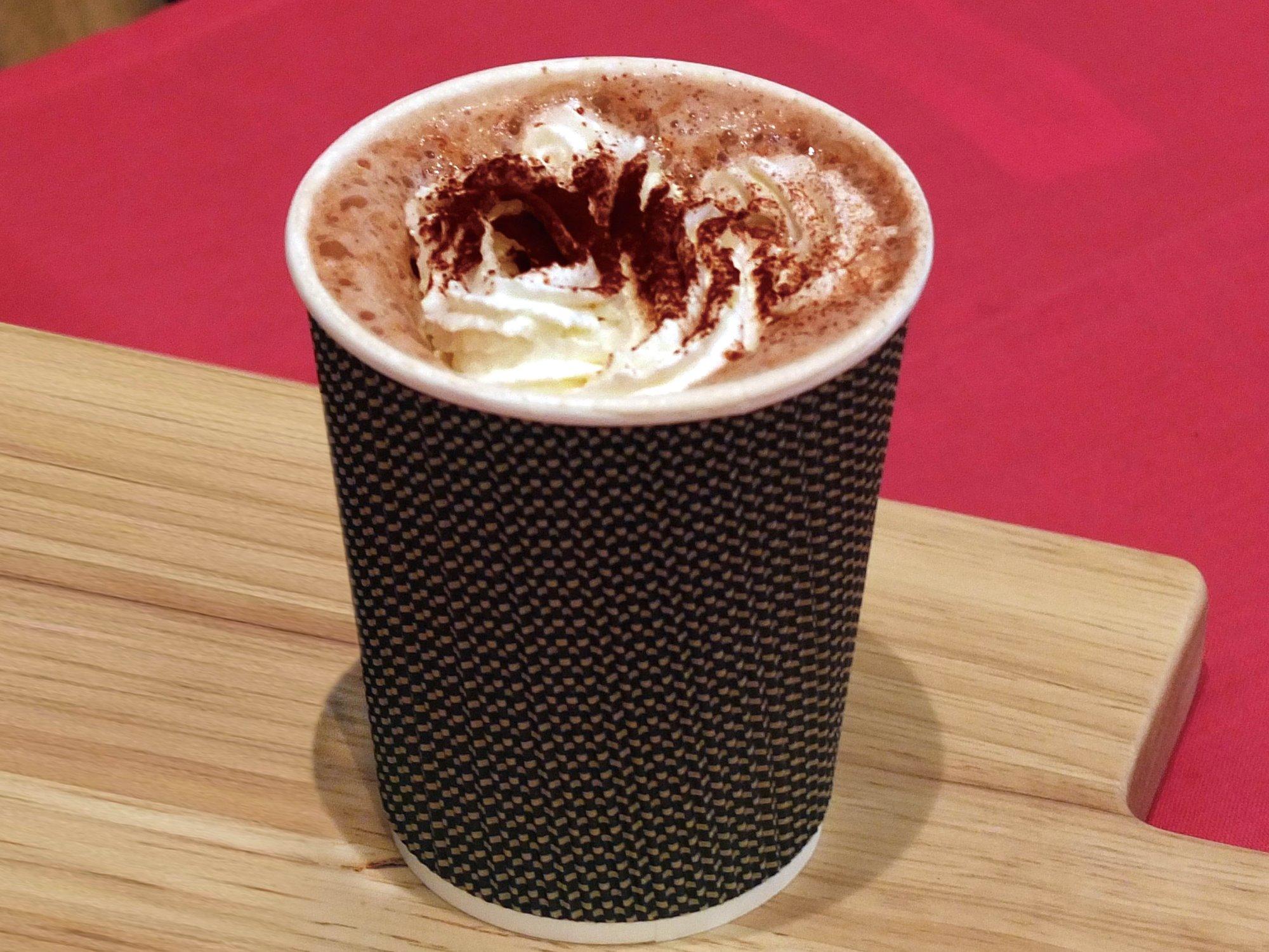 カフェの期間限定メニュー 「ホットチョコレート」